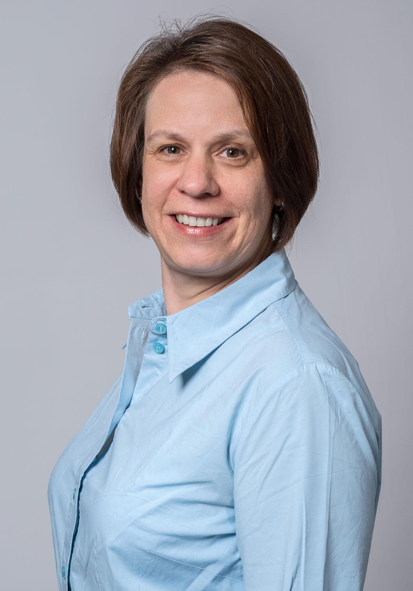DHdesign Portrait Dina Hüsler Webdesignerin